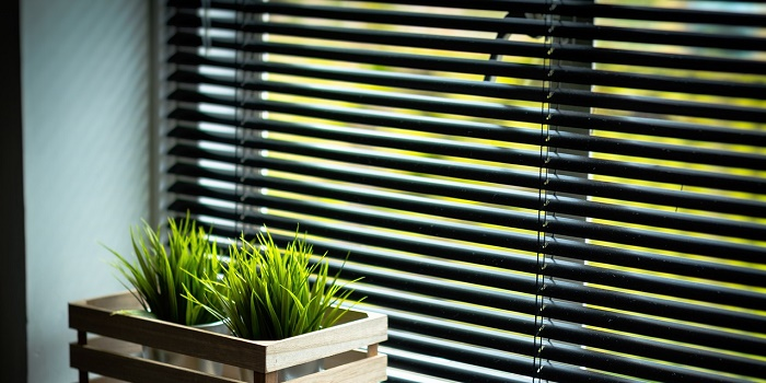 How to Paint Wooden Blinds