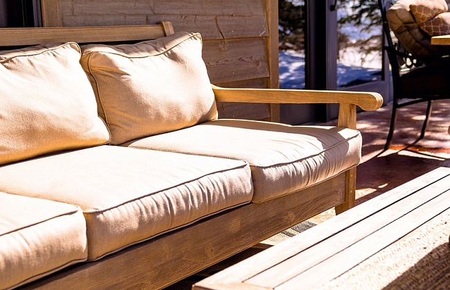 how to oil outdoor wood furniture