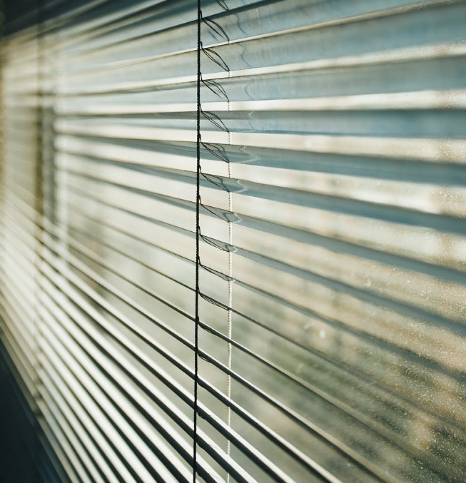 How to remove paint from wood blinds