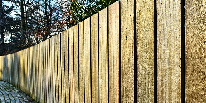 can you use creosote on wood fence